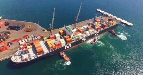 antofagasta-puerto-angamos-buque-portacontenedores