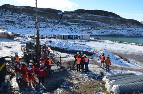 Sonda llegó a los 200 metros y detectó inundación — Mineros desaparecidos