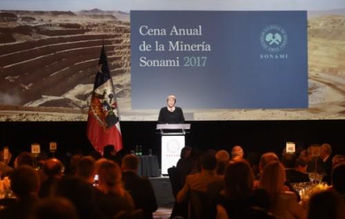 Piñera lidera intención de voto en primera y segunda vuelta — CEP