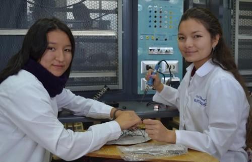 mujer-comunidad-finning-areas-inclusion-cientificas