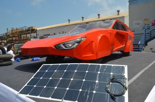 solar-auto-komatsu-puertasabiertas