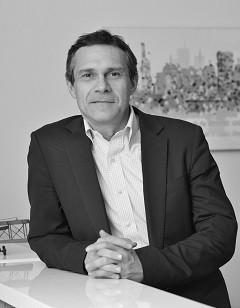 Mauro Mezzano, Socio de Vantaz
