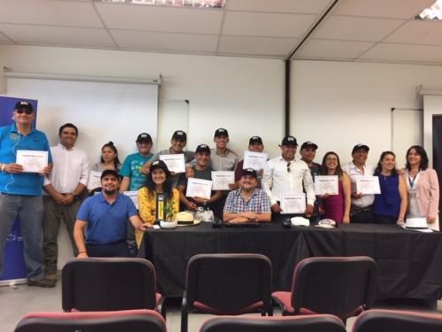 Finning y Fundación Tierra de Esperanza finalizan en Santiago programa de inclusión laboral