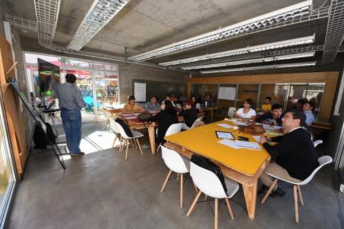 Pequeñas empresas participaron en taller de intraemprendimiento organizado por USQAI y Centro de Extensionismo Tecnológico de la AIA