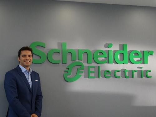 Schneider Electric entrega consejos para configurar una sala de servidores en una pequeña empresa