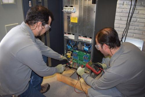 UP Energy presenta su servicio de contrato de mantenimiento para UPS