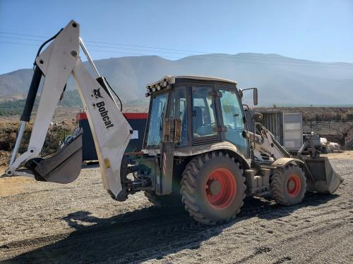 Retroexcavadora Bobcat B730: Presente en importante proyecto fotovoltaico