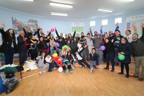 Trabajadores de Kinross colaboran con estudiantes de Tierra Amarilla