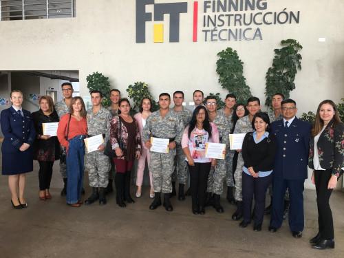 Finning capacita a jóvenes de la Fuerza Aérea de Chile