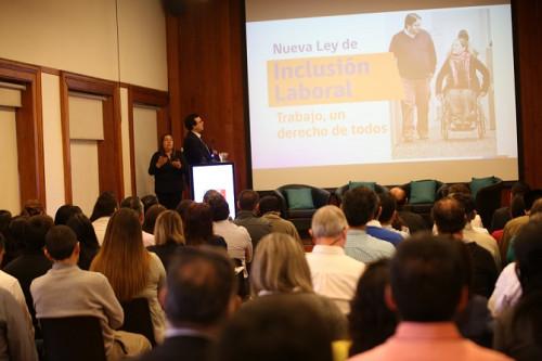 FCAB, Seremía de Desarrollo Social y Familia, y Senadis encabezan primer Seminario de Inclusión Laboral