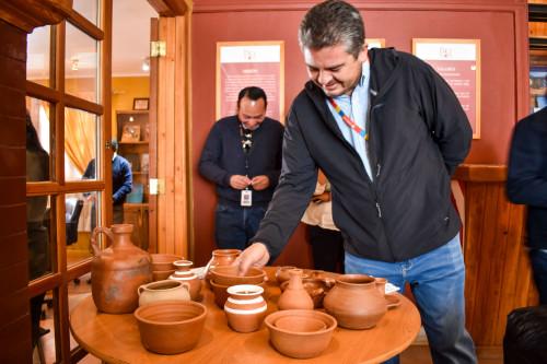 Artesanos de Toconce revitalizan el arte de la alfarería