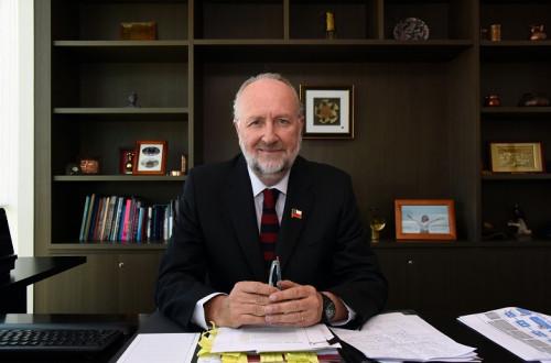 Ministro de Minería destaca acuerdo verde entre Collahuasi y Enel