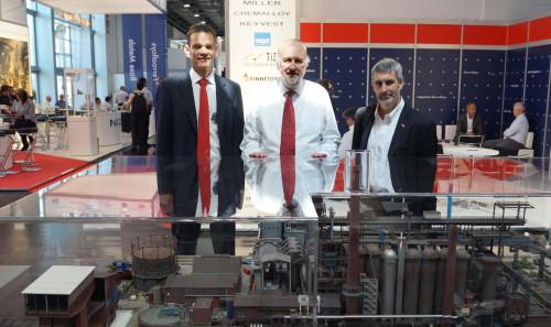 Ministro de Minería visita feria en Alemania con el objetivo de incorporar tecnologías en fundiciones chilenas