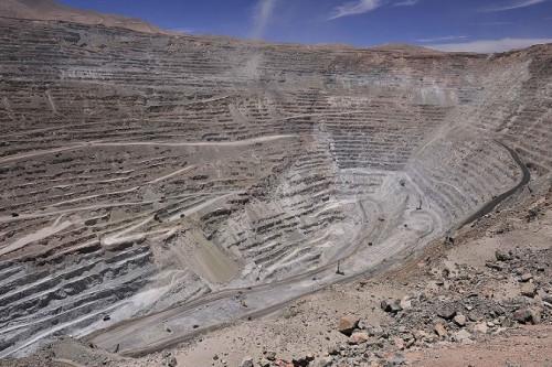 Académico UC, Gustavo Lagos: «Precio del cobre sólo va a subir cuando se resuelva la guerra comercial»