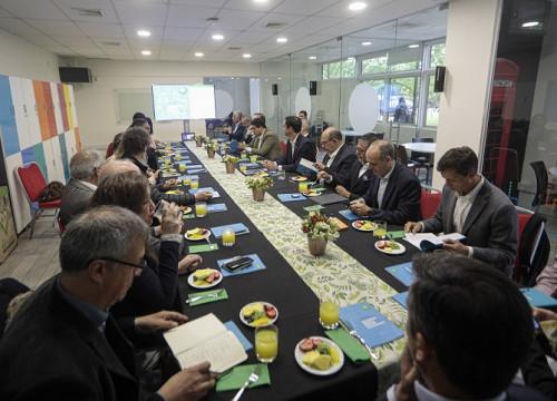 Escenarios Energéticos presenta a ministro de Energía aspectos críticos para el proceso de actualización de la política energética