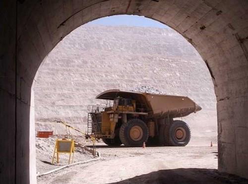 codelco-chuquicamata-faena-subterranea-trabajadores-dirigencia