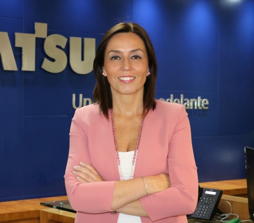 Carola Espinoza, directora del Centro de Formación Komatsu (CFK)