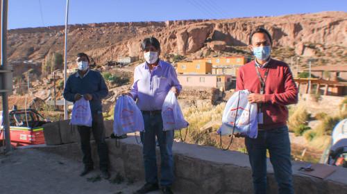 Comunidades de Toconce y Caspana recibieron 120 kits de insumos sanitarios