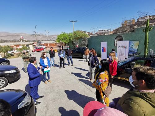 """Minera Lumina Copper Chile junto a FOSIS instalan """"separadores preventivos"""" en taxis colectivos"""