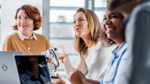 Grupo ABB doblará su proporción de mujeres en puestos de dirección