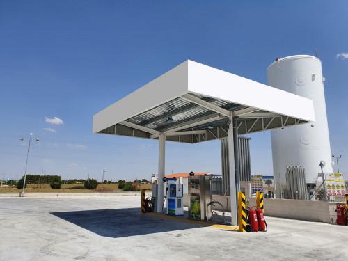 Lipigas desarrolla la primera estación de  servicios de GNL para camiones de ruta del país