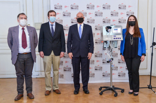 Empresa nacional pionera en robótica dona a Perú ventilador mecánico made in Chile