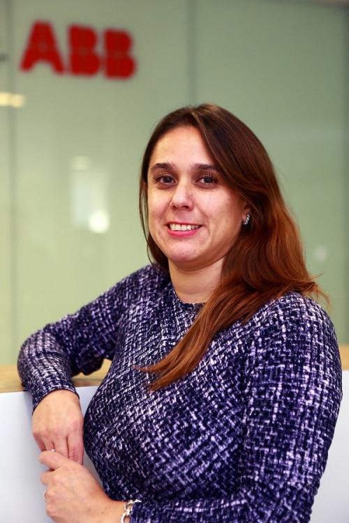 """Claudia Alarcón de ABB en Chile: """"El compromiso de la alta dirección es vital para alcanzar la equidad de género en la empresa"""""""