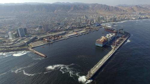 Estudio de ampliación del molo de abrigo de Puerto Antofagasta busca disminuir los días de cierre de puerto y hacer frente al cambio climático