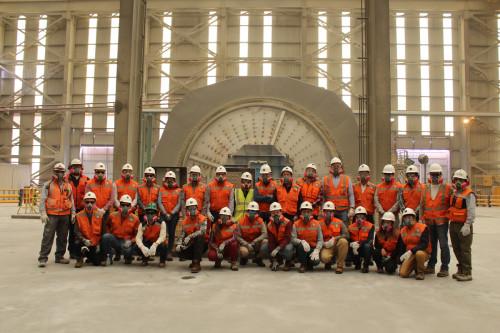 Futuros ingenieros de mina contrastan teoría y práctica en visita a división Ministro Hales