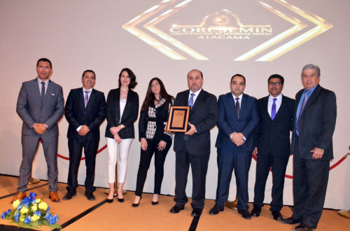 Finning recibe premio Empresa de Servicio a la Minería destacado Año 2018-2019, de CORESEMIN