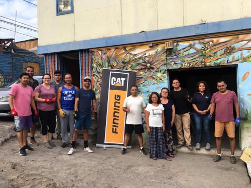 """Voluntarios de Finning """"Manos a la Obra"""" en Centro de Acogida de Fundación """"La Huella"""""""