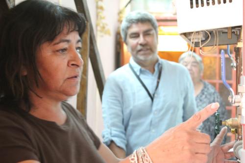 86 familias del sector Independencia Dos valoran beneficios de sus calefactores solares