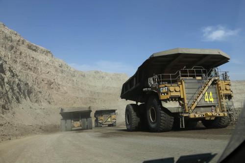 Imacec minero de abril retrocede un 0,1%