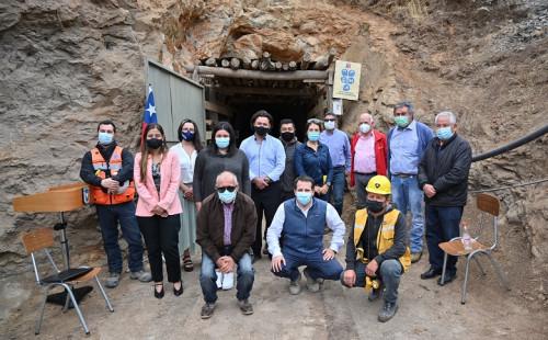 Anuncian nuevo fondo de $1.300 millones para beneficiar a pequeños mineros de la Región de Valparaíso