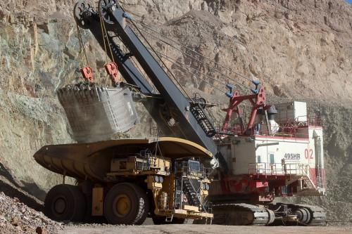 Estudio aborda negociaciones colectivas en la minería: Disminuyen montos de bonos de término de conflicto