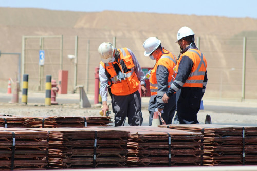 Minera licita servicio de mantenimiento de los sistemas de supresión húmeda y captación de polvo del área seca