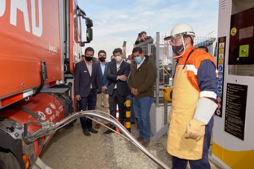 Comienza a operar la primera estación de servicio de GNL en Chile para camiones de ruta