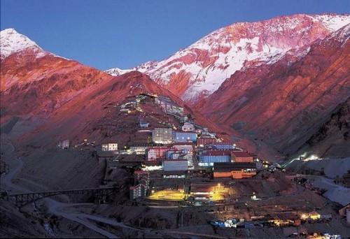 Minera licita servicio de obras industriales y civiles gerencia de planta