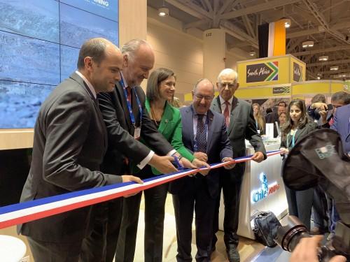 Delegación nacional inaugura su pabellón en feria internacional minera PDAC 2019 en Canadá