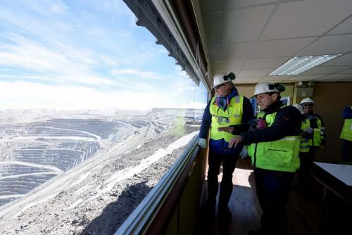 """Ministro de Minería dice que cierre de fundición Ventanas """"no es una decisión que se haya tomado"""""""