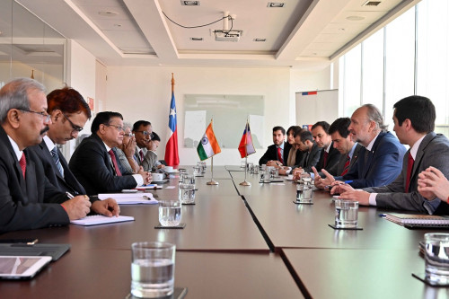 Chile estudia posible acuerdo estratégico con India para inversión en litio