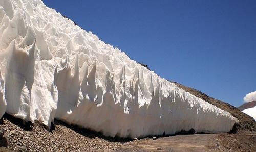 En medio de fuerte debate, proyecto de ley de glaciares retoma espíritu más restrictivo