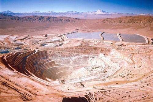 Producción de cobre de Codelco y Escondida mejora en diciembre