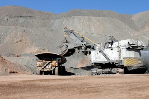 Economía chilena crece 0,4% en el primer trimestre gracias al sector minero y retarda entrada en recesión